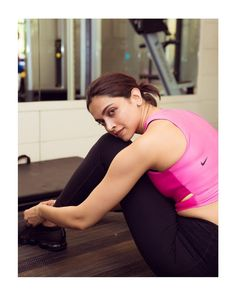 Pin By Pankaj Kumawat On Indian Cinema Deepika Padukone Hot Workout Pictures Gym Workouts Pictures