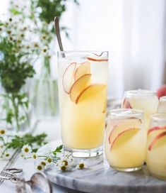 White Nectarine Prosecco Sangría with Ginger & Elderflower via The Bojon Gourmet - The Sunshine Bride: Creative Signature Cocktails for Your Summer Wedding: 15 Unique Recipes Bojon Gourmet, Detox Diet Drinks, Peach Jam, Elderflower, Low Sugar, Prosecco, Yummy Drinks, Cocktail Recipes, Cheers