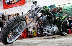 Harley Davidson Sportster modified Tout es unique ! Cadre fabriquer maison, bac à huile ... Old School, Harley Davidson, Unique, Everything, Home