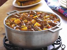 Carne Guisada beef an potato stew Beef And Potato Stew, Beef And Potatoes, Stewed Potatoes, Goya Recipe, Mexican Food Recipes, Dinner Recipes, Dinner Ideas, Ethnic Recipes, Spanish Dishes
