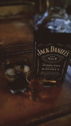 Free my mind — Whiskey nights Frisky fights Lonely sights Whiskey Accessories, Rauch Fotografie, Alcohol Aesthetic, Beer Pictures, Alcohol Pictures, Snap Food, Tennessee Whiskey, Food Snapchat, Bad Girl Aesthetic