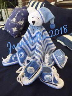 Uniriepu ja pikku tossuja/securityblanket and baby converses Baby Converse, Handmade, Bebe, Hand Made, Handarbeit
