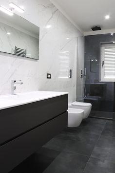 Modern Bathroom: Interior Design, Ideas and Photos l homify - Bagno Bathroom Design Luxury, Modern Bathroom Decor, Bathroom Layout, Modern Bathroom Design, Bathroom Ideas, Tile Layout, Bathroom Organization, Bath Ideas, Designs For Small Bathrooms