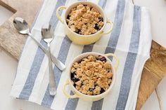 Oatmeal Chia Berry Crisp | 22 Exciting Ways To Cook With Chia Seeds
