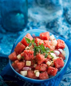 Watermelon Jicama mint salad: the flavors go well togather esp. with paprika, salt, pepper and a little squeeze of lime. Raw food is more nutritious that is my main reason for this pin.