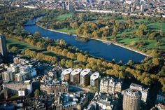 phenomenal discounts for park lane & hyde park with Lastminute Top Secret Hotels. From per night. Great for Oxford Street shopping and strolls in Hyde Park. One Hyde Park, Hyde Park London, Billionaire Homes, London Attractions, Royal Park, Urban Park, Fallen London, Ferrat, Expensive Houses