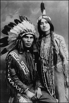Native North American couple, Situwuka and Katkwachsnea portraits of beautiful Native American peoples Native American Beauty, Native American Photos, Native American Tribes, Native American History, American Indians, American Women, American Symbols, American Life, American Clothing