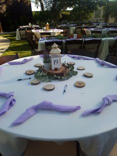 """Keep with the new trend by """"tieing-the-knot"""" napkins on your guests tables."""