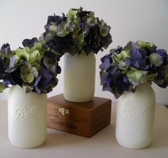Country chic wedding centerpieces - not mason jars but white vases Pew Flowers, Wedding Flowers, Table Flowers, Tree Wedding, Rustic Country Wedding Decorations, Country Weddings, Purple Wedding Centerpieces, Shower Centerpieces, Purple Wine