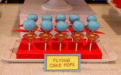 Cute cupcake/cakepop ideas for Superman party