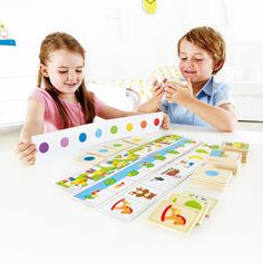 Kids use their own clues to guide one another in collecting the right picture sequence in this Hape's educational game. Manufactured by Hape.