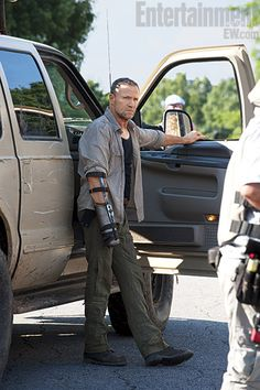 Fans of the show will recognize Merle Dixon (Michael Rooker), whom we last saw on a roof with his wrist handcuffed to a pipe back in season 1. After escaping what seemed like a zombie death sentence, Merle comes to Woodbury equipped with a bayonet appendage where his right hand used to be and a questionable sense of loyalty.