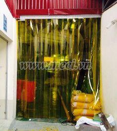Lắp đặt màn nhựa PVC cho không gian cửa ra vào của xưởng sản xuất: Meci.vn