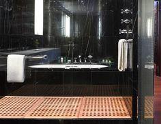 Sensational black marble bath at Bulgari London