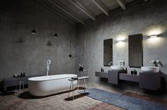 Die Norm.Architects aus Kopenhagen verbinden skandinavischen Minimalismus mit Altbewährtem. Vorbild für ihre Badewannen und Waschbecken sind frühindustrielle Metallwannen, woran der eingerollte Rand erinnern soll.