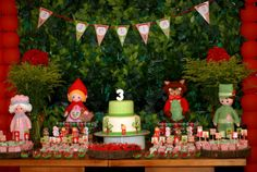 Little Riding Hood Party - Love the Dolls Red Riding Hood Party, Little Red Ridding Hood, Festa Party, Backdrops For Parties, Dessert Table, First Birthdays, Christmas Ornaments, Holiday Decor, Party Ideas