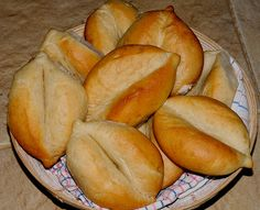 my discovery of Bread: Portuguese Bread Rolls (Papo Secos)