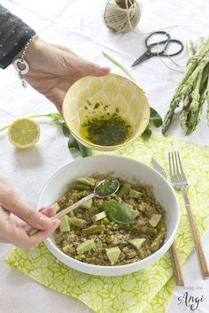 Quinoa con espárragos, guisantes y aguacate #vegano