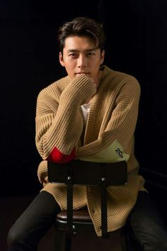 Hyun Bin Cool and Casual in New Media Pictorial Korean Star, Korean Men, Asian Men, Hyun Bin, Asian Actors, Korean Actors, Kdrama Actors, Korean Artist, Korean Celebrities