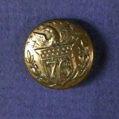 Bb EAGLE on SHIELD 76 United States Antique Patriotic BUTTON Albert UU 172D