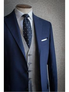ID Navy Blue Vested 3 ~ Three Piece Wool Cheap Discounted Suit - Men's fashion - Anzug Muster Navy Blue Vest, Blue Suit Men, Blue Suits, Blue Formal Suit For Men, Mens 3 Piece Suits, Mens Suits, Blue Three Piece Suit, Discount Suits, Designer Suits For Men