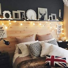 Dress your room up with simple cushions like this cute flag!