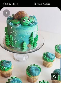 🐢 Cake & cupcakes by 🐢 There aren't many sea creatures cuter than the lovely sea turtle 🐢🌊😆 This is such a great idea by… Ocean Birthday Cakes, Ocean Cakes, Turtle Birthday Parties, Beach Cakes, Birthday Cake Girls, Turtle Party, Sea Turtle Cupcakes, Girl Cakes, Cute Cakes