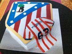 Tarta escudo Atletico de Madrid y camiseta.