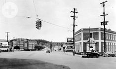 1955 North Market at Frazier & Cherokee Looking west up Cherokee Boulevard from North Market Street. American Lava Corporation on the left Downtown Chattanooga, Chattanooga Tennessee, Town And Country, Cherokee, Old Photos, Lava, San Diego, Street View, History
