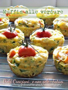 Muffins with vegetables Antipasto, Finger Food Appetizers, Finger Foods, Appetizer Recipes, Happiness Recipe, Veggie Muffins, No Salt Recipes, Frittata, Le Diner