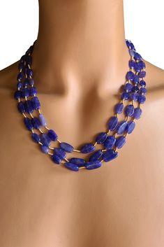 Natur Saphir Collier Ovale Saphir-Perlen 10 – 14 mm Perlen-Reihen 35 – 39,5 cm 185 Karat Verstellbare Seidenbänder Handgefertigt in Indien #JOY #Einzelstücke #Saphir #Collier #saphircollier #Handgefertigt #unikat #saphirschmuck #schmuck #IndianDreams #sapphire #Necklace #sapphirenecklace #handmade #handmadejewelry #sapphirejewelry #jewelry #jewellery #unique #Lifestyle #fashion #style #love #schmuckliebe #Geschenk #Geschenkidee #gift #Muttertag #Geburtstag #Hochzeitstag #weihnachten Beaded Necklace, Necklaces, Pendant Necklace, Sapphire Jewelry, Pendants, Gift Ideas, Gifts, Fashion, Handmade Jewelry