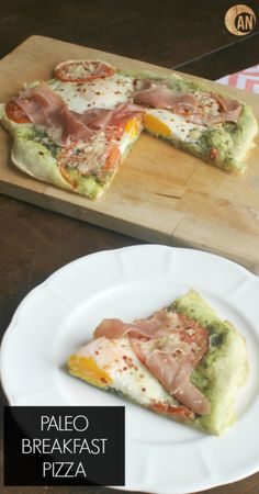 Paleo Breakfast Pizza - use the crust recipe for lunch or dinner, it actually tastes like REAL pizza crust! Paleo Breakfast Pizza - use the crust recipe for lunch or dinner, it actually tastes like REAL pizza crust! Paleo On The Go, How To Eat Paleo, Food To Make, Going Paleo, Whole Food Recipes, Cooking Recipes, Healthy Recipes, Paleo Meals, Paleo Food