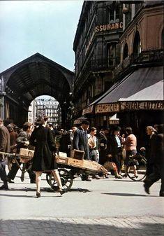 49 incroyables photographies couleur de Paris sous l'occupation allemande entre 1940 et 1944, réalisée par le photographe André Zucca (1897-1973). Des photo