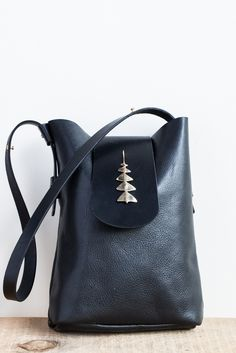 Samantha Grisdale Romany Dreamleaf Bag in Black | Beautiful Dreamers