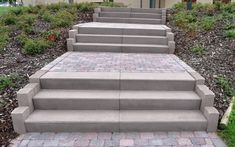 Block Steps A visually appealing staircase is the calling card of your home. Whether you choose from our standard program the ideal levels for you External Staircase, Staircase Landing, Patio Steps, Garden Design, House Design, The Calling, Dry Stone, House Entrance, Stairs