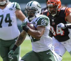 New York Jets running back Matt Forte (22) runs the ball during the first half of a game against the Cincinnati Bengals at MetLife Stadium on Sept. 11, 2016.
