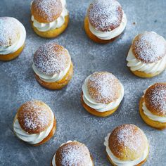 Glutenfria semlor – enkelt och supergott recept Gluten Free Cakes, Gluten Free Baking, Vegan Gluten Free, Baking Recipes, Healthy Recipes, No Bake Desserts, Baked Goods, Tasty, Sweets