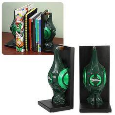 Green Lantern Movie Lantern Bookends - http://lopso.com/interests/dc-comics/green-lantern-movie-lantern-bookends/