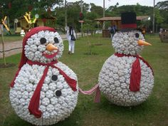 "Creative idea .. snowman made from bottles---JoAnn says ""I am so doing this.  Would be great in my front yard."""