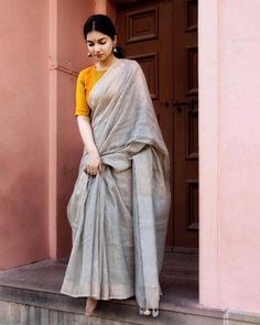 Designer Dresses for older women Silk Saree Blouse Designs, Saree Blouse Patterns, Farewell Sarees, Anarkali, Lehenga, Formal Saree, Simple Sarees, Saree Photoshoot, Saree Trends
