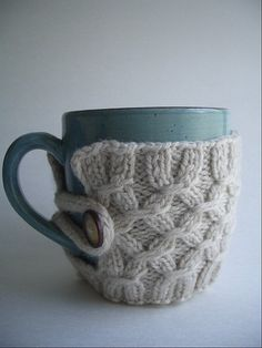 Knitted mug cozy. Could also use recycled sweaters. - Click image to find more DIY & Crafts Pinterest pins
