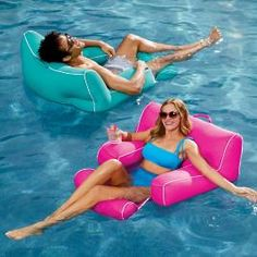 Make a stylish splash all summer long with luxury swimming pool accessories and furniture. Shop the best quality resort pool floats, chairs, toys and storage from Frontgate. Swimming Pool Accessories, Swimming Pool Designs, Swimming Pools, Beach Accessories, Pool Floats For Adults, Cool Pool Floats, Pool Toys For Adults, Lake Floats, Oasis Pool