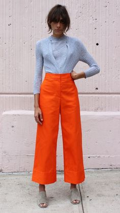 Gli Arcani Supremi (Vox clamantis in deserto - Gothian): Trends and outfits for early spring and middle-season 2018 Trendy Dresses, Nice Dresses, Casual Dresses, Casual Outfits, Fashion Colours, Colorful Fashion, Orange Fashion, Pantalon Orange, Mode Orange