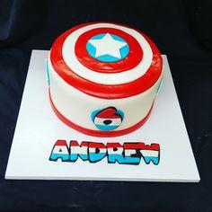 Captian America cake. Loved making this. L.I.C.C.
