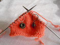THE chaussette! Loop, Crochet Earrings, French, Easy Knitting, Knit Socks, Circular Needles, Beginning Sounds, Heels, Wool