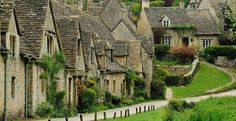 The Cotswolds in England are a magical place to visit. In this article, our local Cotswold correspondent covers all the best things to do in the Cotswolds