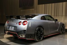 gray nissan gt r nismo wallpapers