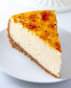Creme Brûlée Cheesecake – A Mashup of Two Favorite Desserts! Creme Brûlée Cheesecake – A Mashup of Two Favorite Desserts!,backen Calling all cheesecake fans! This Creme Brûlée Cheesecake is super creamy, super thick and. Creme Brulee Cheesecake, Cheesecake Recipes, Creme Brulee Cake, Just Desserts, Delicious Desserts, Yummy Food, Food Cakes, Cupcake Cakes, Cupcakes