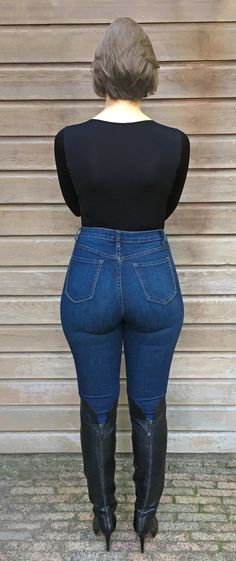 Tabita Fix in Tight Blue Jeans and Boots