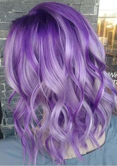 If you are looking for best purple hair color shades then must visit here to see the best styles of purple hair colors to sport in 2018. You know purple hair color has become one of the biggest trends among ladies in these days. Here you can see some of the breathtaking and cute purple hair colors for 2018.
